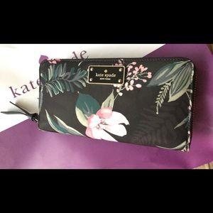 ❤️ Kate Spade Black Botanical NY Neda Wallet ❤️